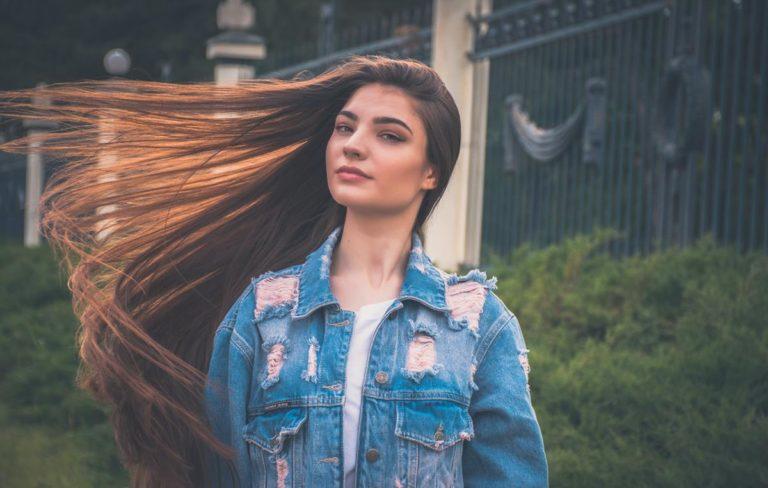 Czy produkty do przedłużania i zagęszczania mogą uszkodzić twoje włosy?