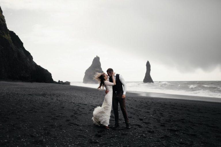 Czy warto zamówić film ślubny?