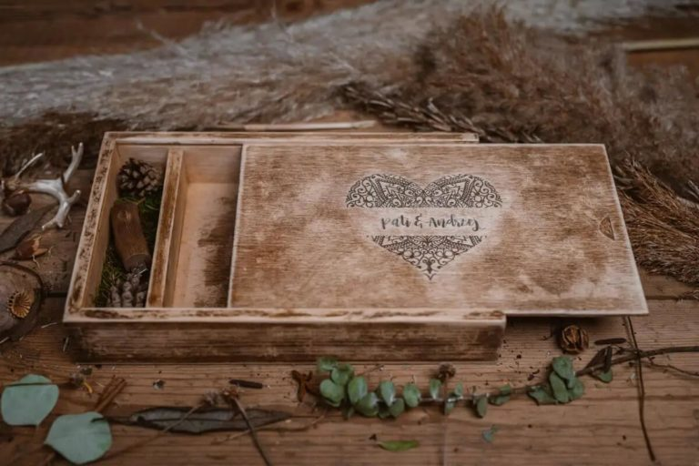 Wyjątkowe drewniane pudełko na zdjęcia