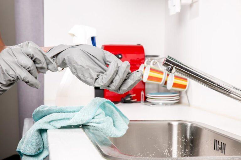 Jak duży jest polski rynek usług czyszczenia wersalek?